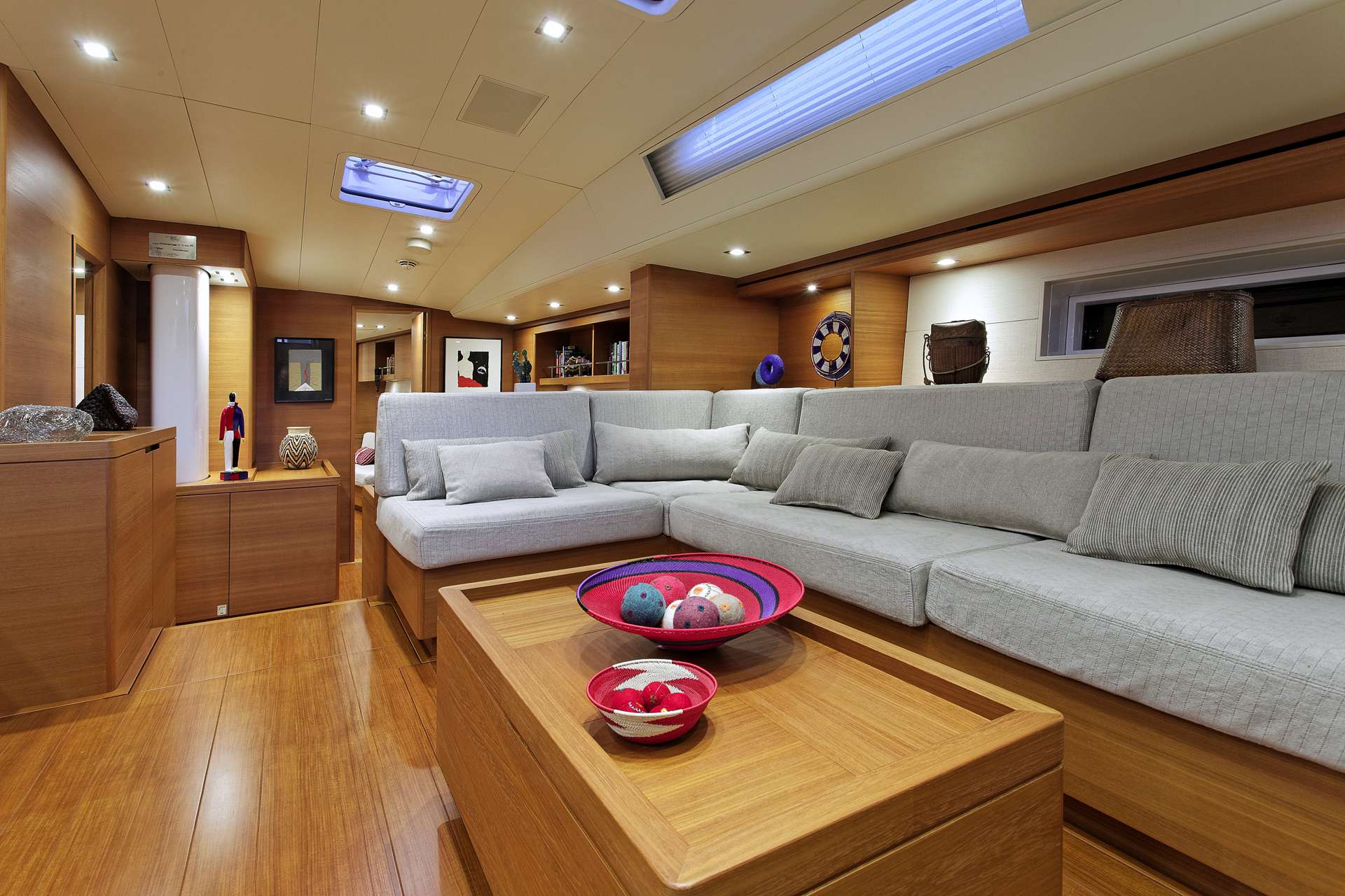 Sailing yacht MRS MARIETTA CUBE - Salon Seating