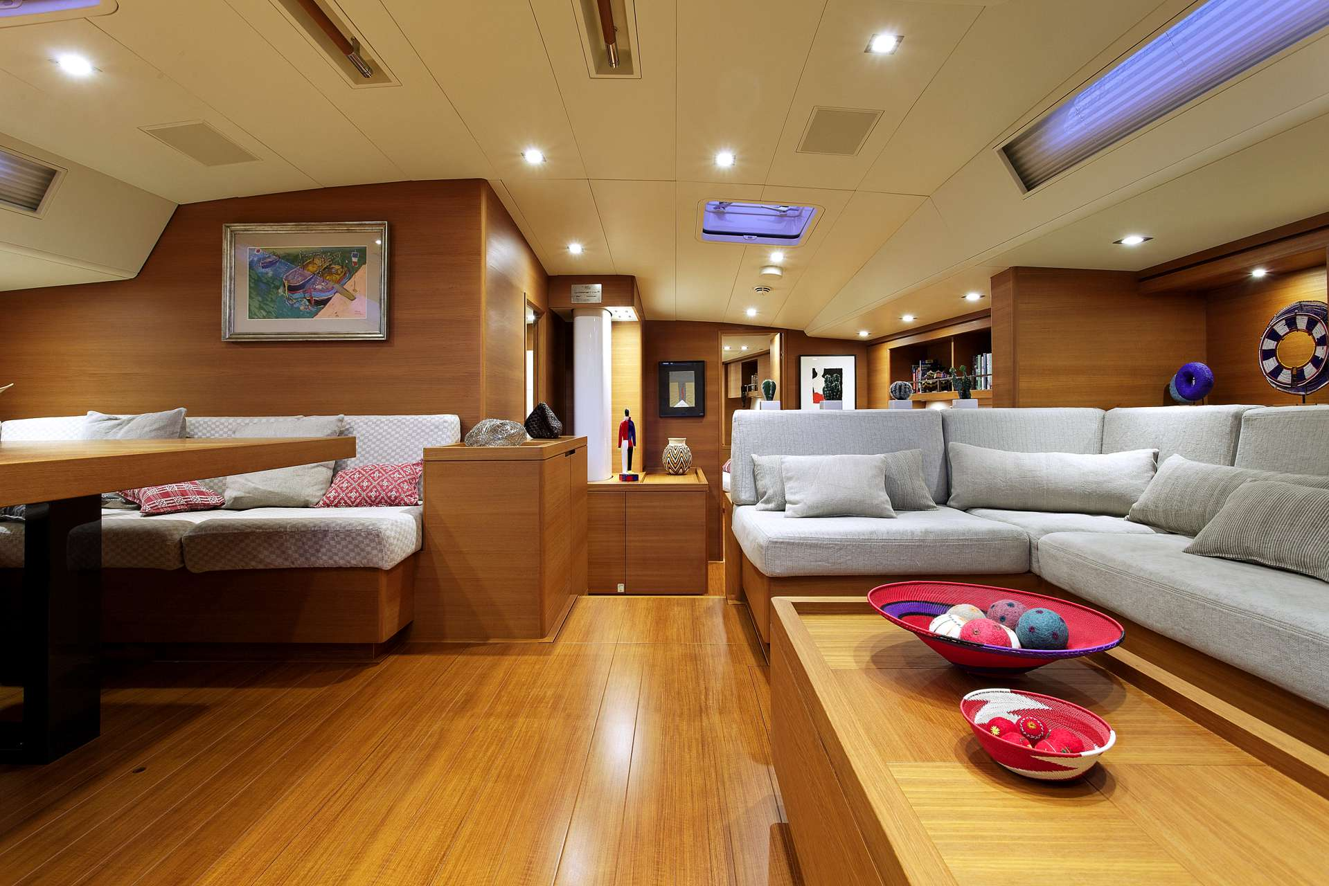 Sailing yacht MRS MARIETTA CUBE - Salon