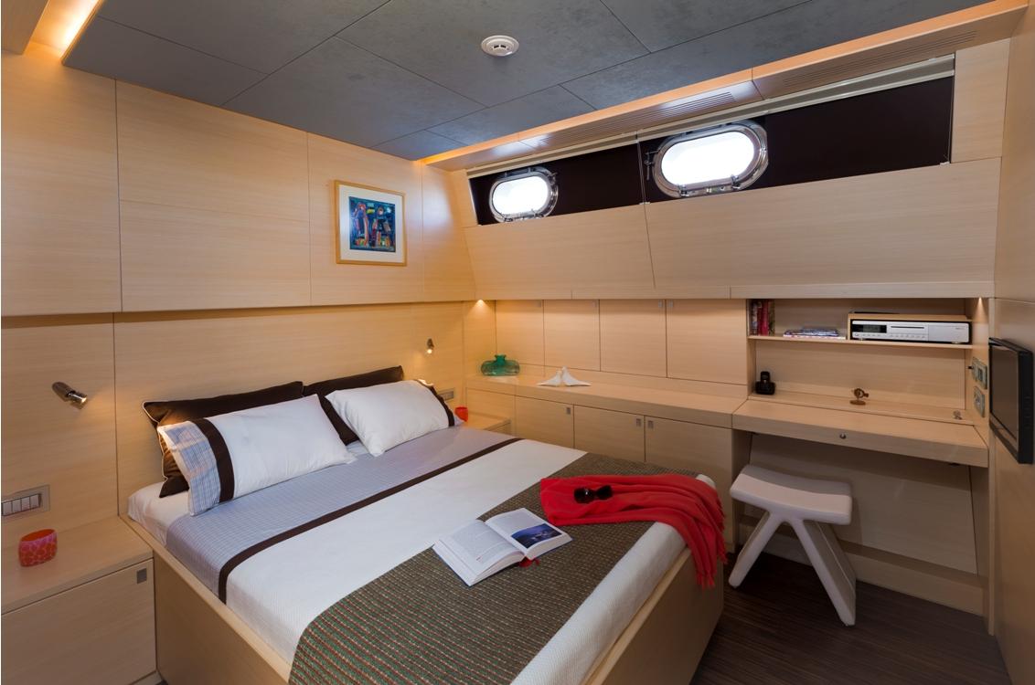 Sailing yacht Merlin -  Double Cabin
