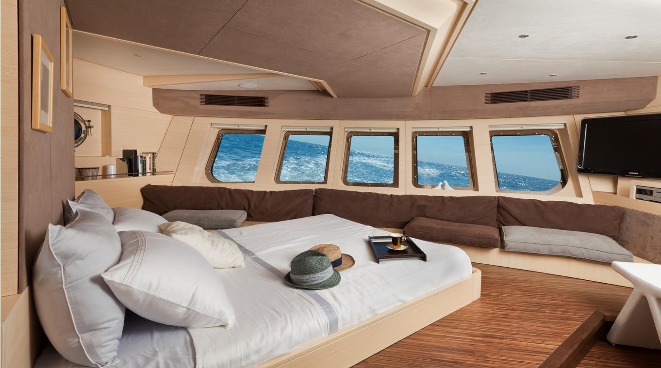 Sailing yacht Merlin -  Master Cabin