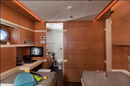 Sailing yacht Merlin -  Twin Cabin