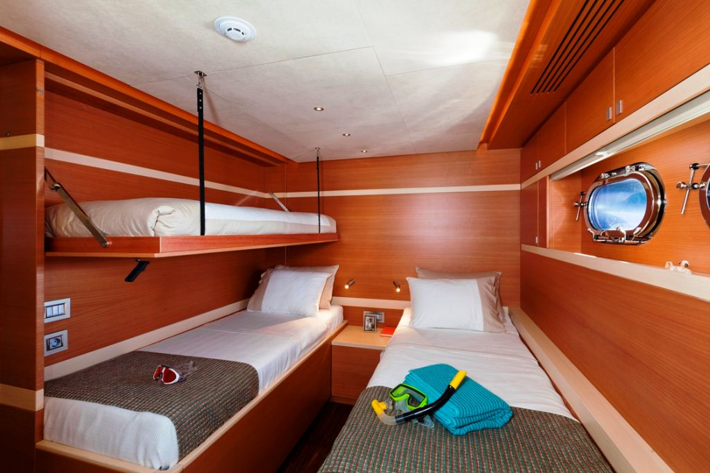 Sailing yacht Merlin - Twin Cabin 2