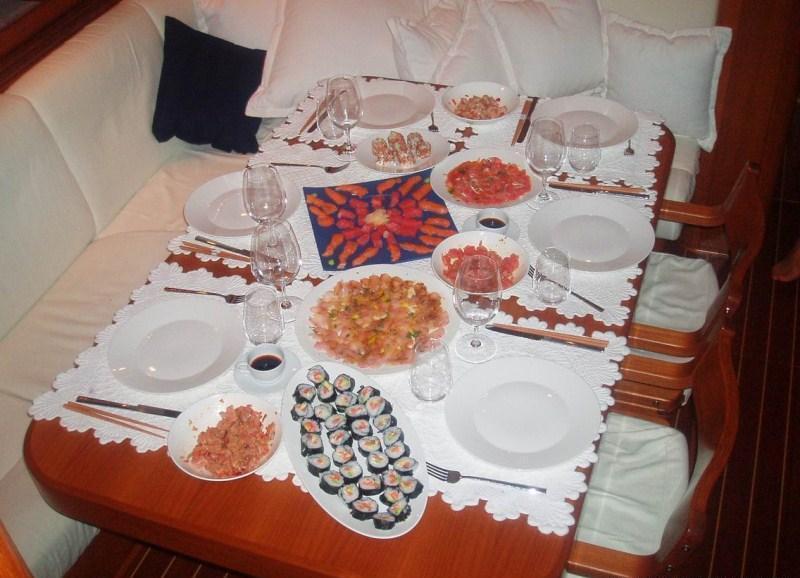 Sailing yacht PLUM -  Dining Table