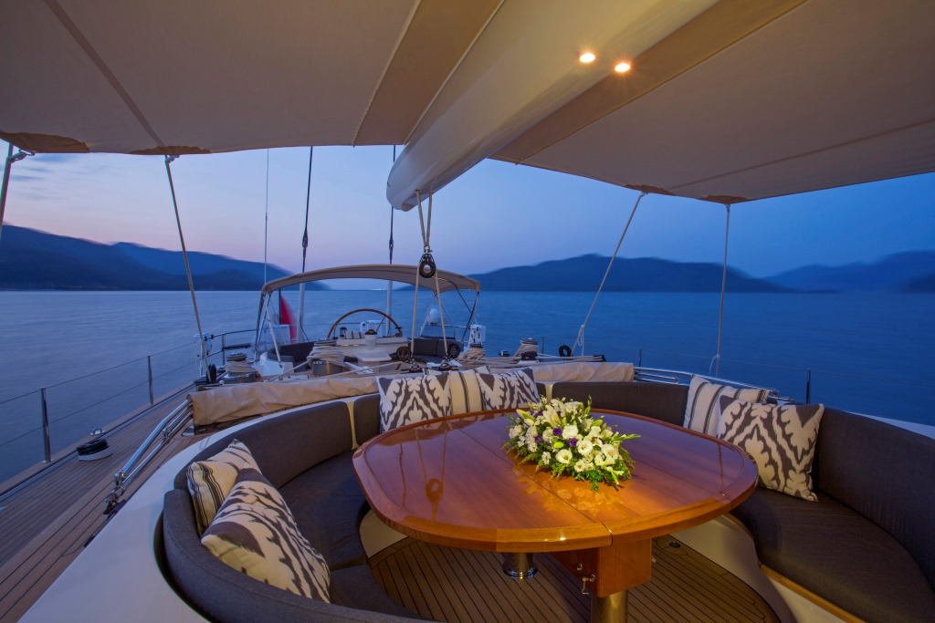 Sailing yacht SAVARONA - Guest cockpit