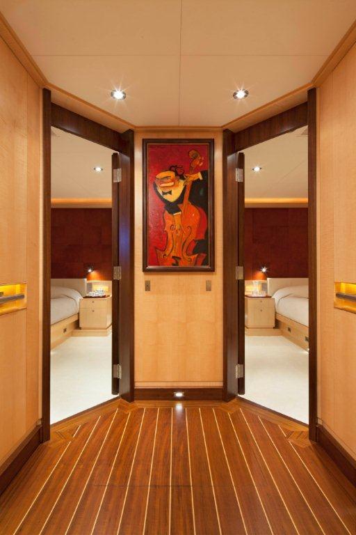 Sailing yacht VICTORIA -  Lobby