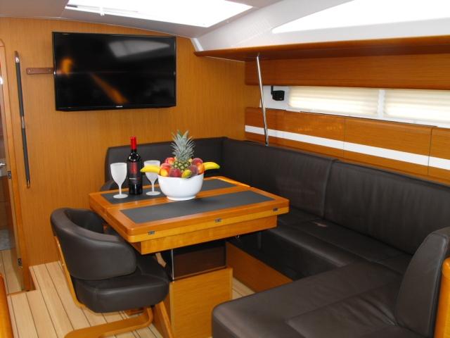 Sailing yacht ZUMA - Dining