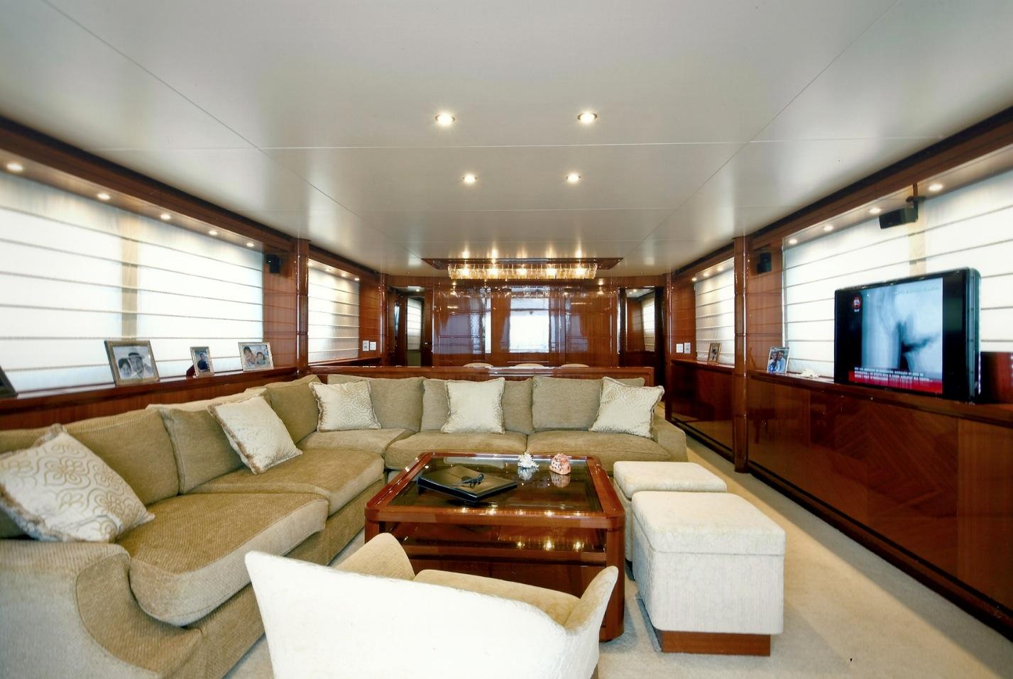 San Lorenzo Yacht GPS -  Salon