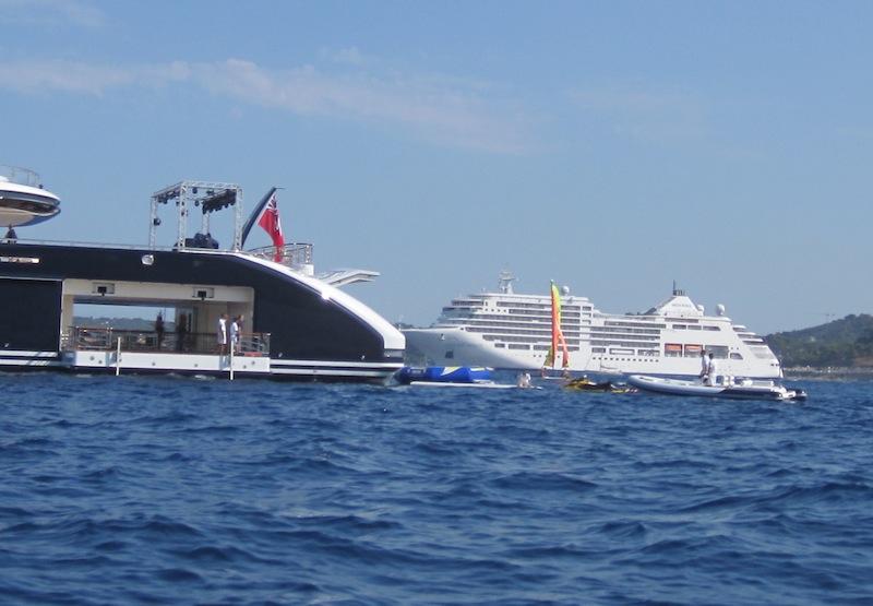 Reymond Langton Image Gallery Megayacht Serene At Her Launch