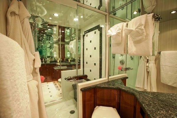 Show Boat -   Master Bath