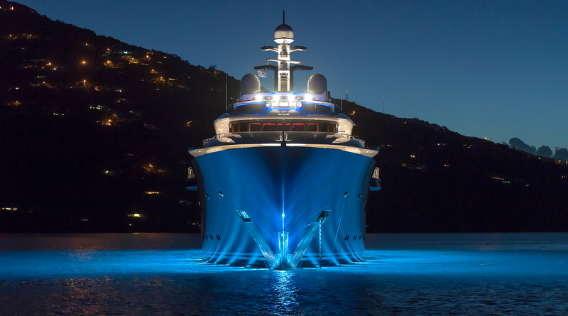 Solandge superyacht - front view - Photo by Klaus Jordan