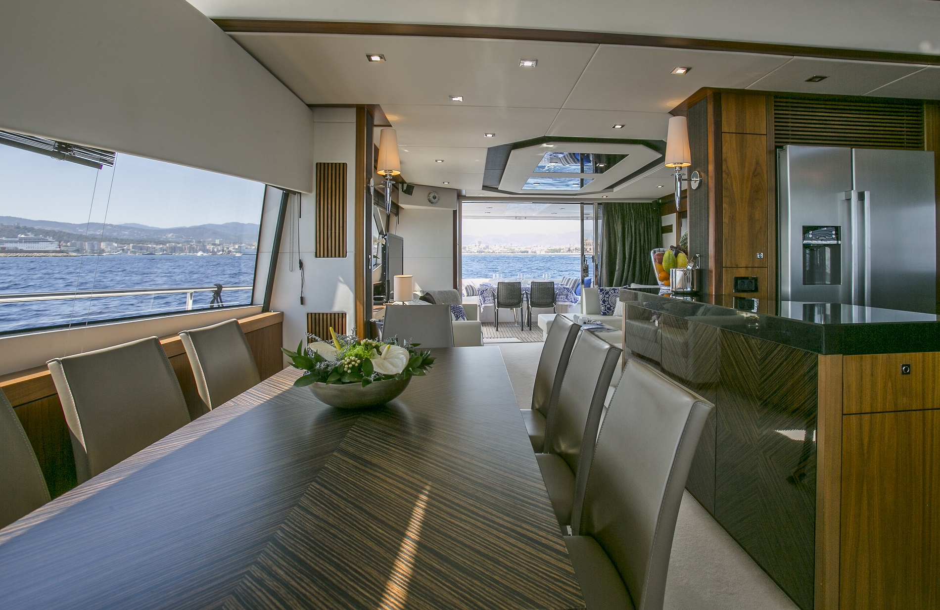 Sunseeker yacht 73M - Formal dining