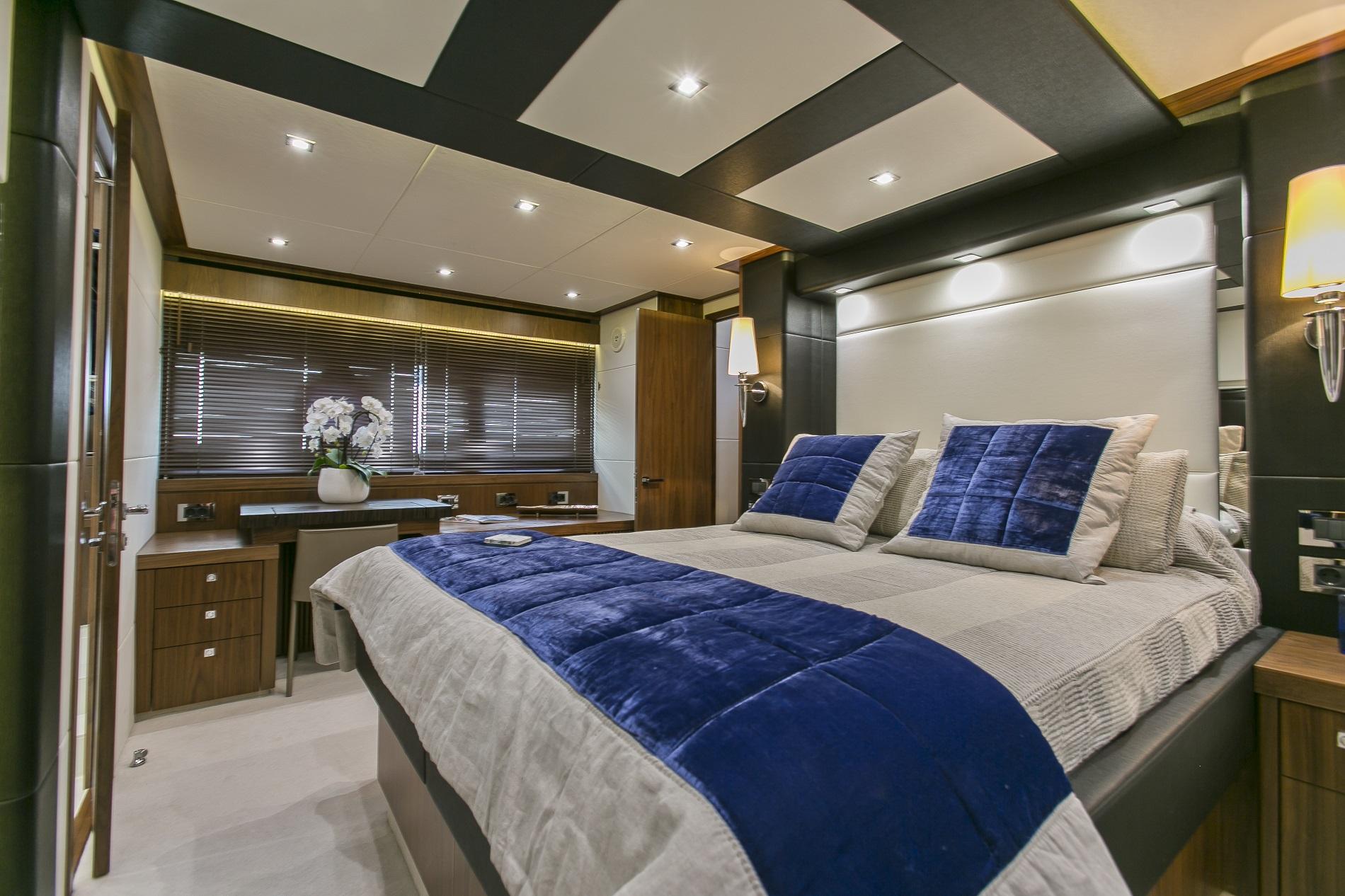 Sunseeker yacht 73M - Master view