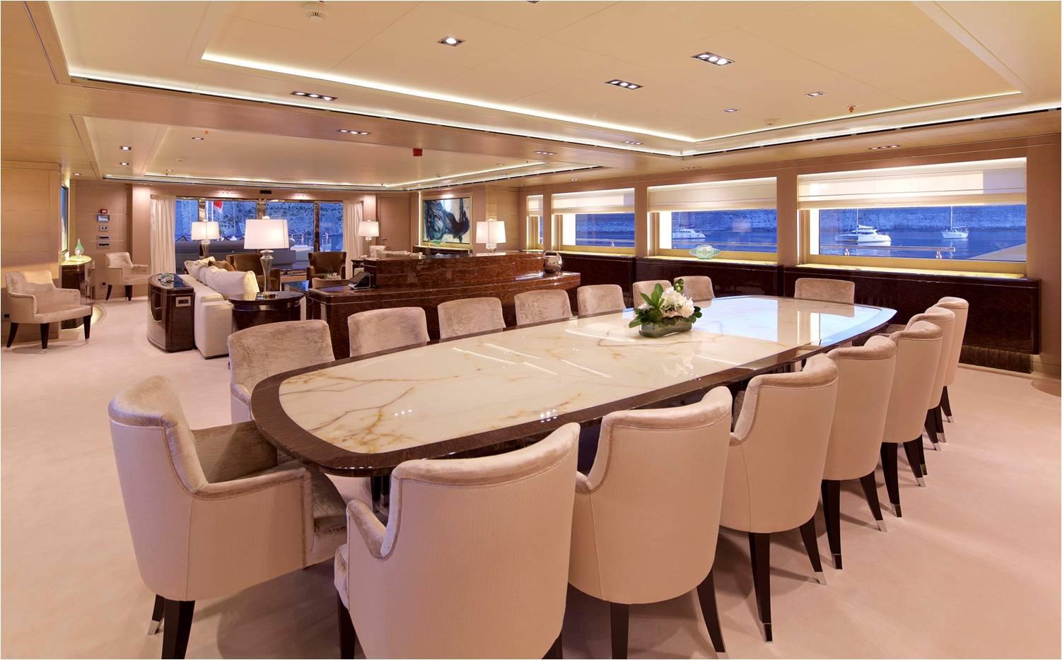 Super Yacht O'PARI3 - Dining