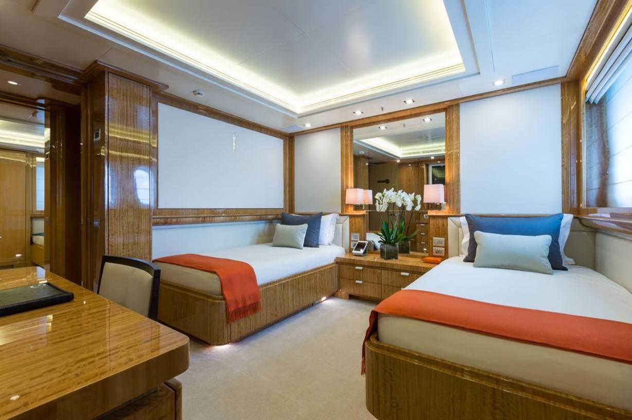 Superyacht GALAXY -  Twin Cabin