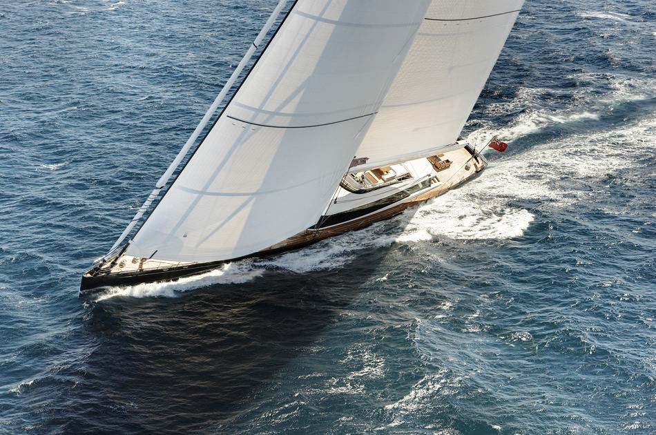 Superyacht Kokomo Sailing