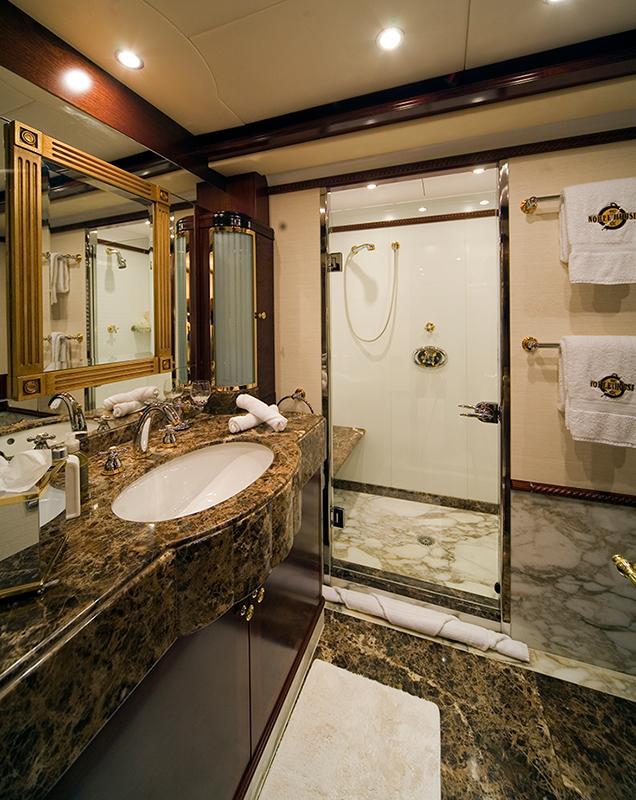 Superyacht NOBLE HOUSE -  Bathroom