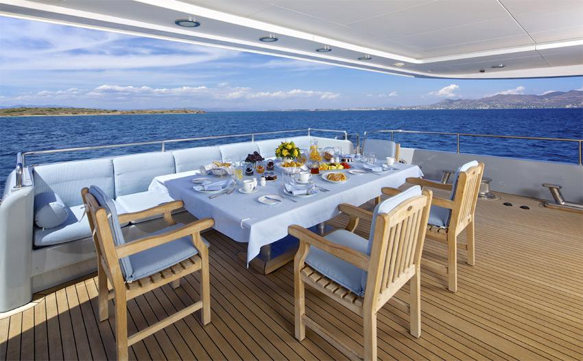 Superyacht OCEANOS -  Aft Deck Alfresco Dining