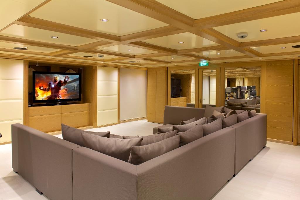 Superyacht OMEGA - Cinema