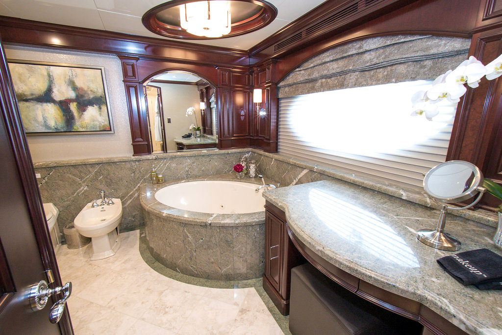 Superyacht REBEL - Master bath