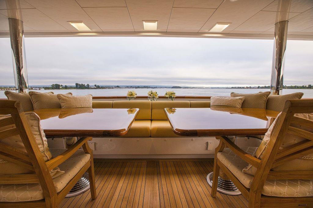 Superyacht SILVER LINING - Main aft deck