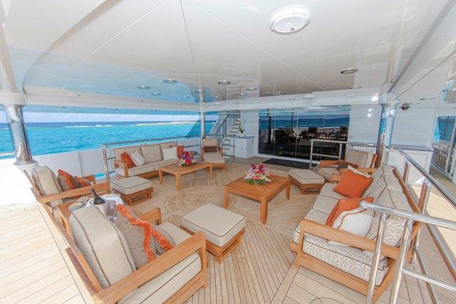 Superyacht SKYFALL - Bridge Deck