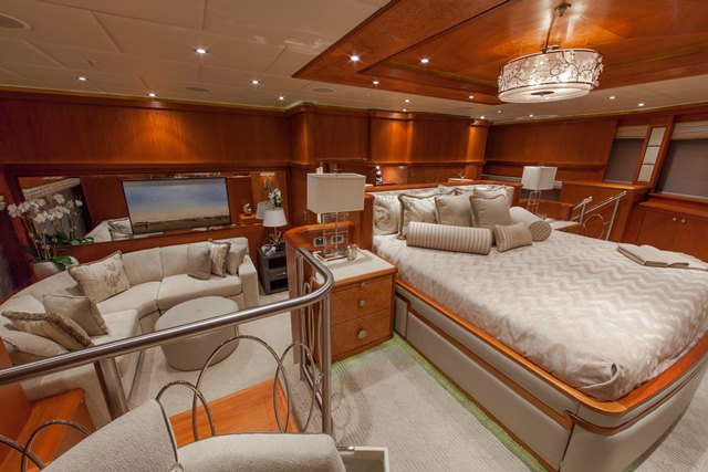 Superyacht SKYFALL - Master Cabin