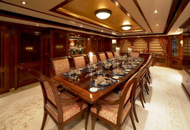 Superyacht TITANIA -  Formal Dining