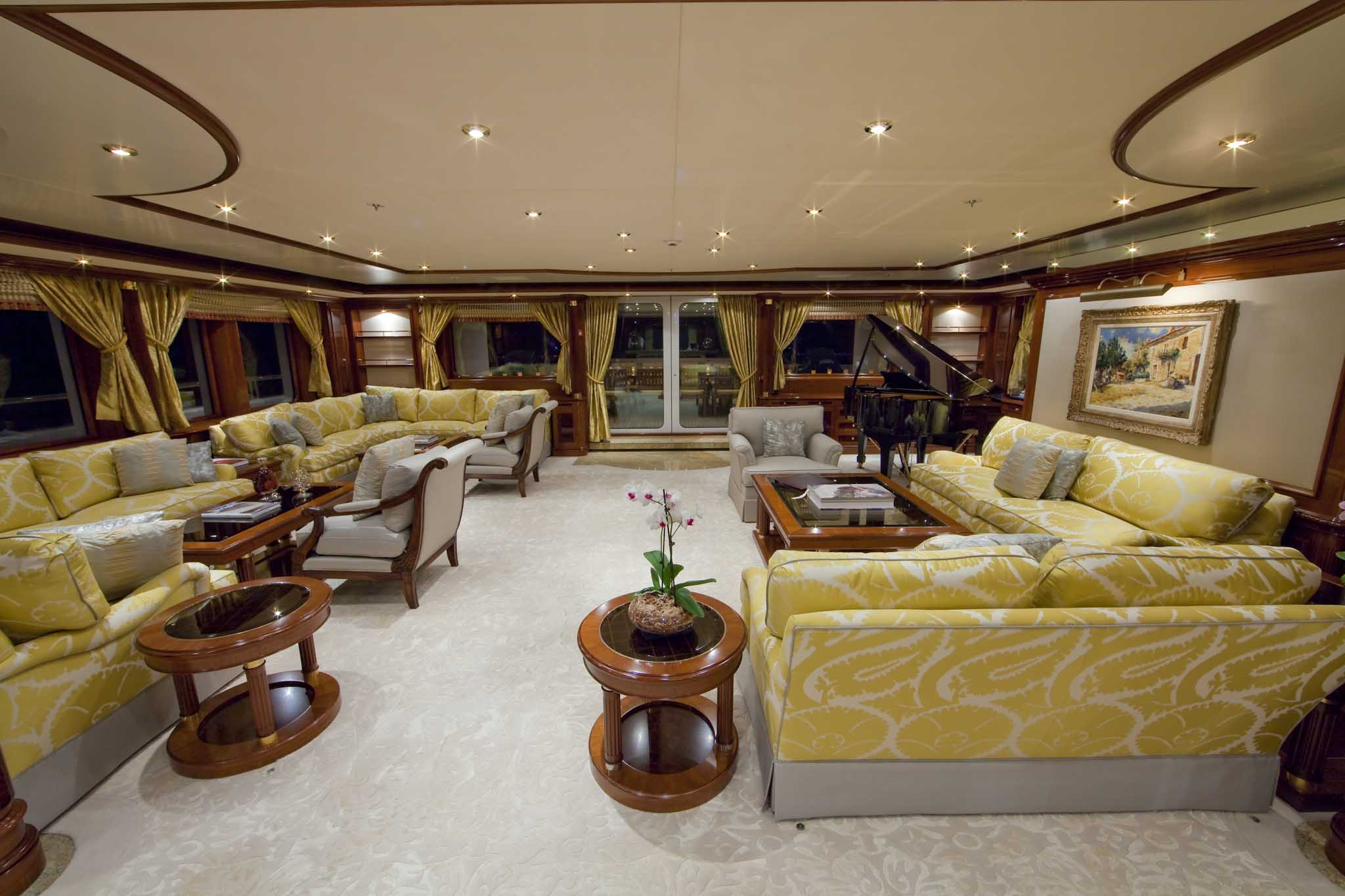 Superyacht TITANIA -  Main Salon 2