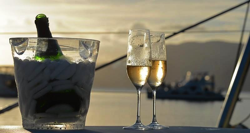 THE CAT AND THE FIDDLE - Champagne on deck