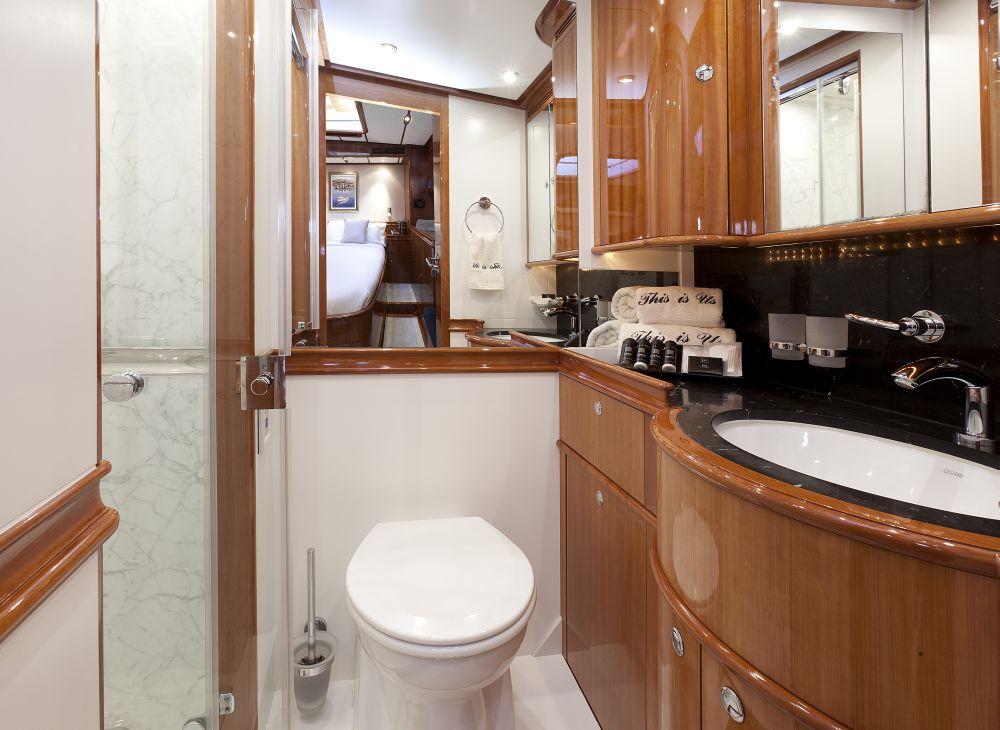 THIS IS US sailing yacht (ex SKYLGE) - VIP bathroom
