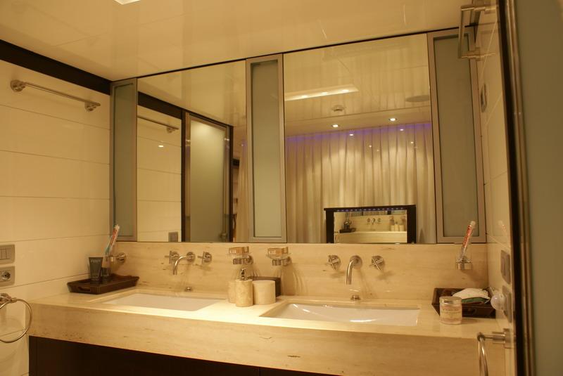 TI VOGLIO TANTO BENE - Master Ensuite Bathroom