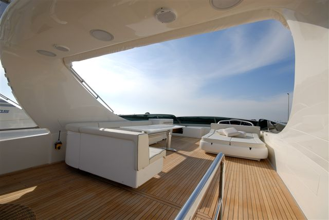 VALENTINA - Sun Deck