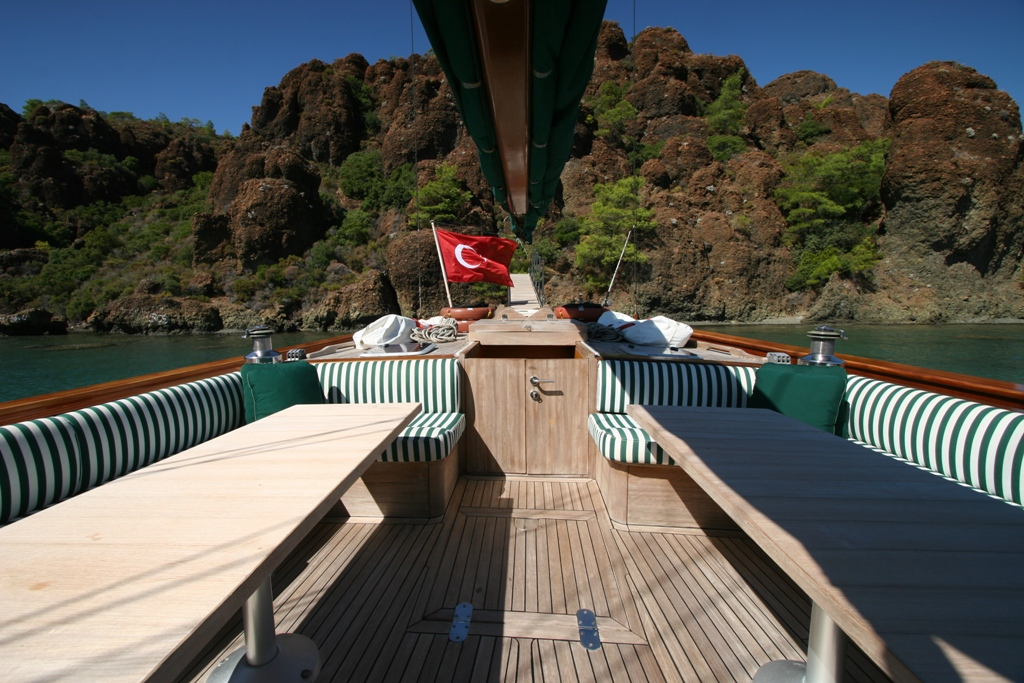 VONGOLE - Aft deck access to master cabin