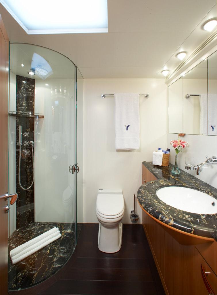 YII - Ensuite bathroom