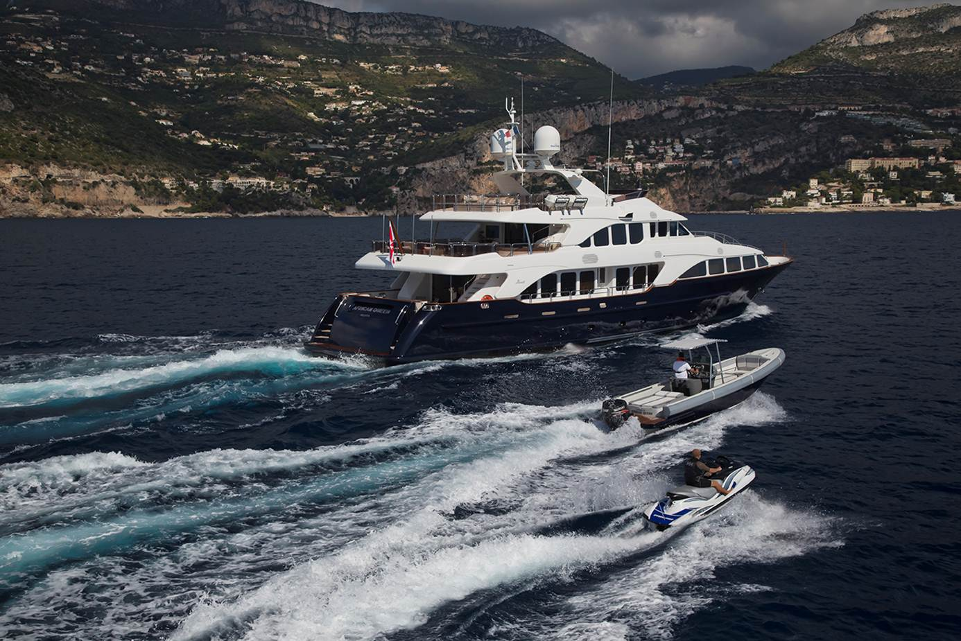 Yacht AFRICAN QUEEN -  Cruising with Tender and Toys