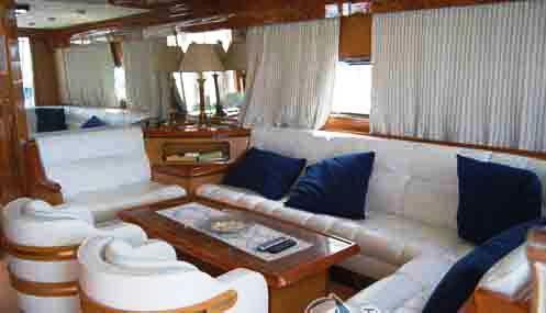 Yacht ALBATROSUN -  Salon Seating