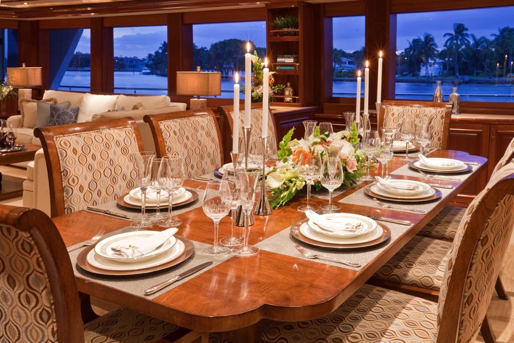 Yacht AMARULA SUN   Formal Dining