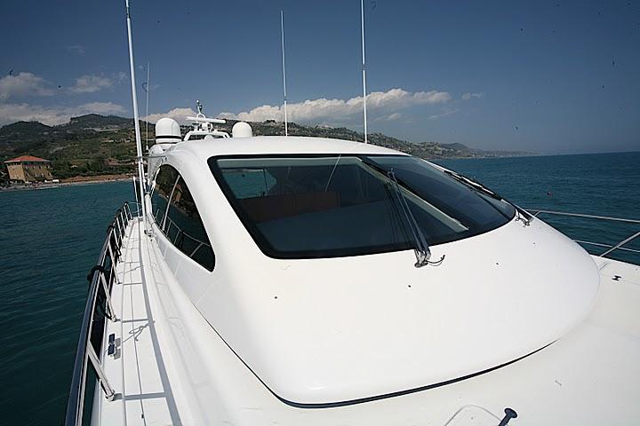Yacht ASPRA 38 -  Front View