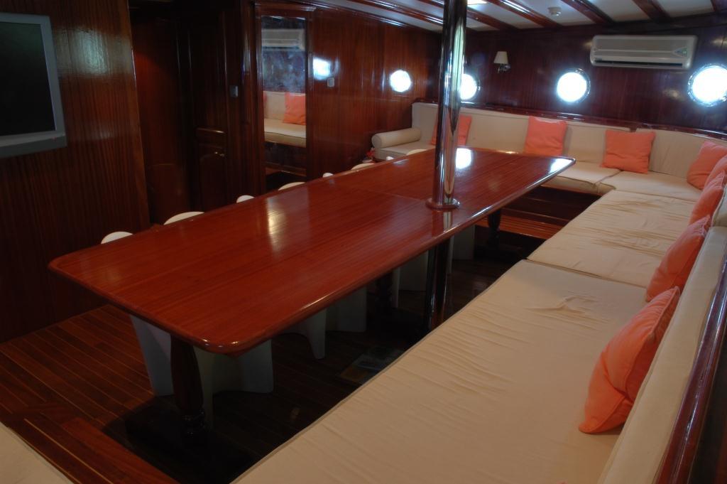 Yacht AZUL DE CORTES - Formal Dining