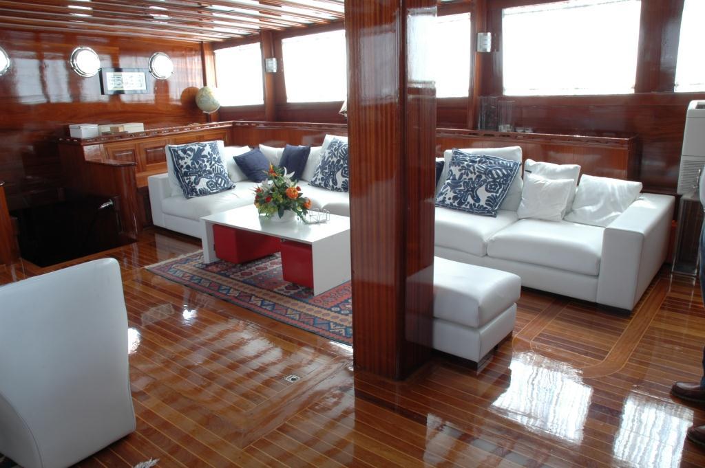 Yacht AZUL DE CORTES - Salon Seating
