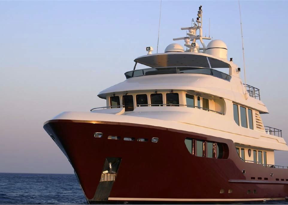 Yacht BANDIDO - Front View