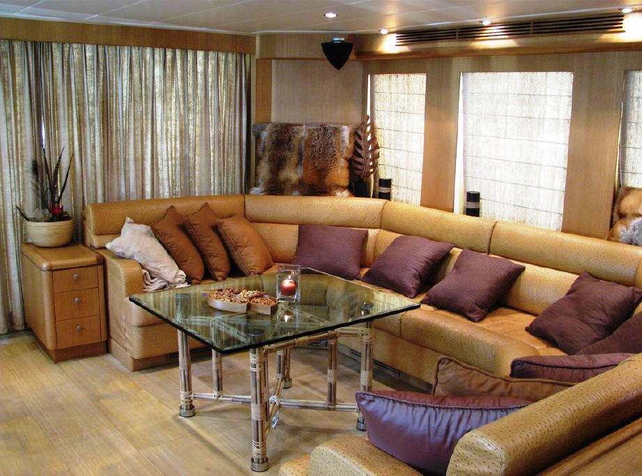 Yacht BANDIDO - Main Salon Seating