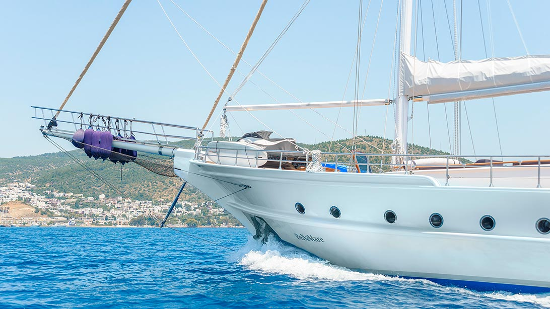 Yacht BELLAMARE - Sailing