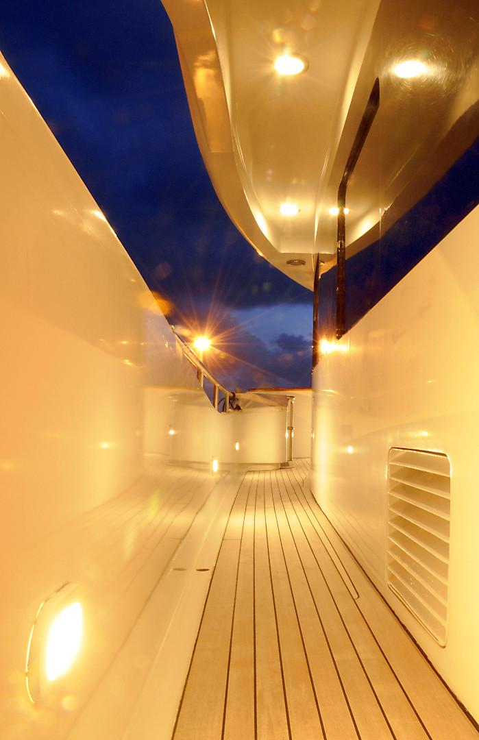 Yacht BENDYCTA - Side Deck 2