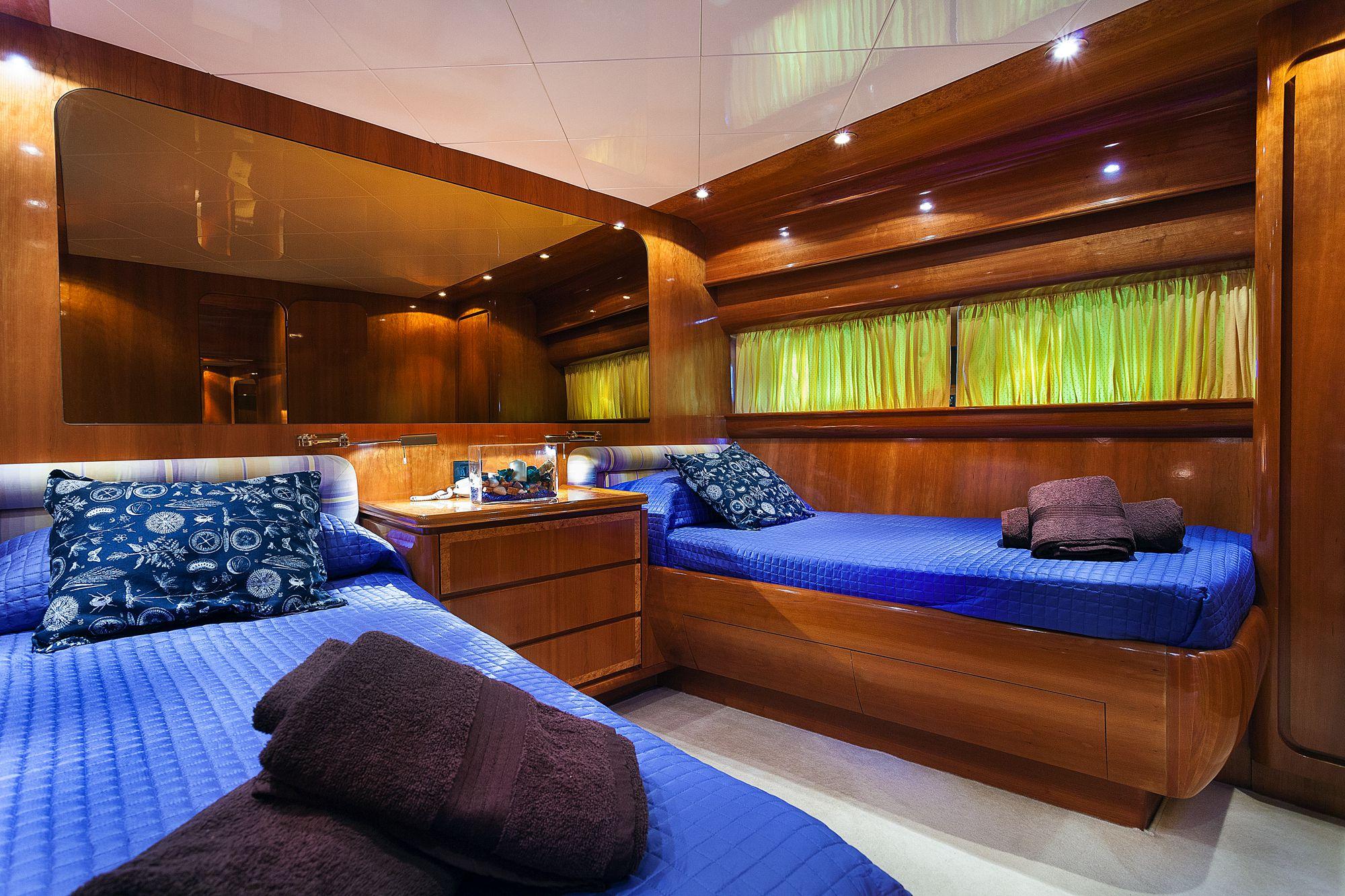 Yacht BERNADETTE - Twin Cabin