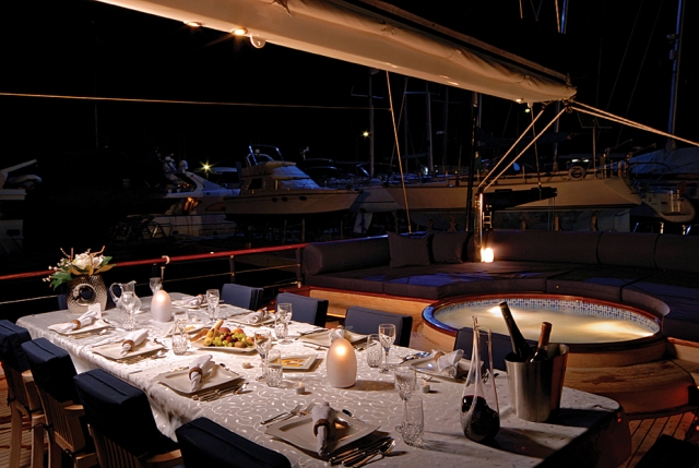 Yacht BLUE EYES -  Aft Deck Dining and Spa Pool