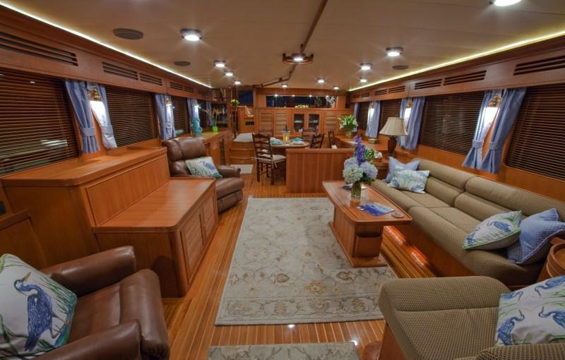 Yacht BLUE HERON -  Main Salon