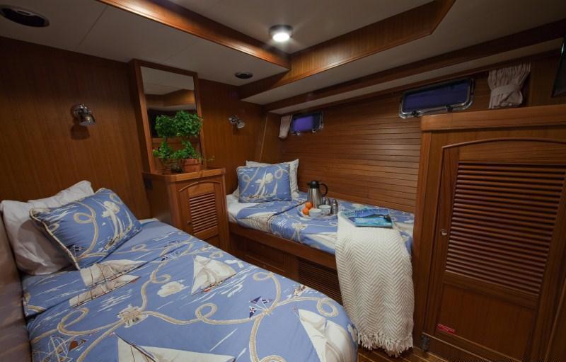 Yacht BLUE HERON -  Twin Cabin