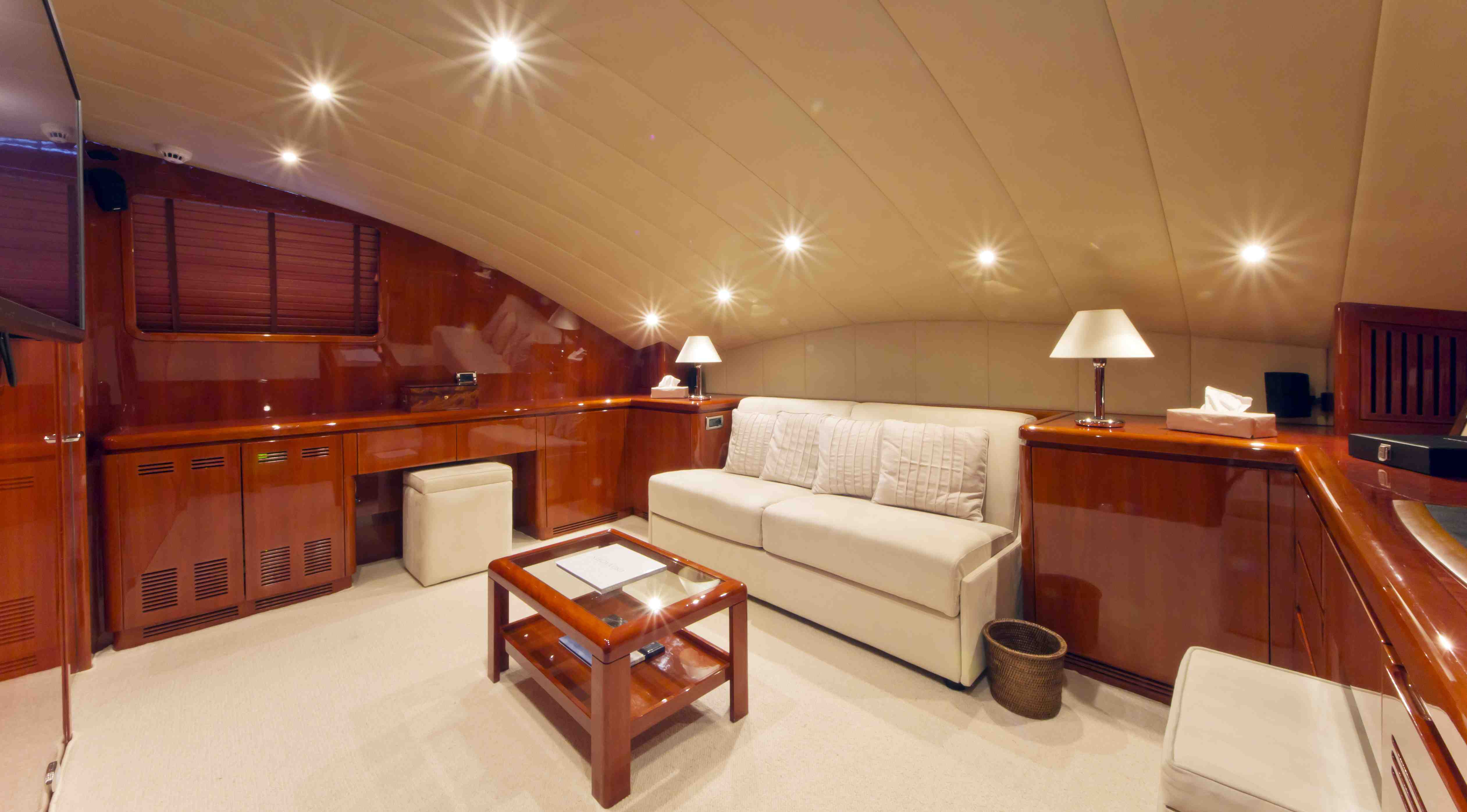 Yacht BOJANGLES -  Double Cabin Convertible to TV Room