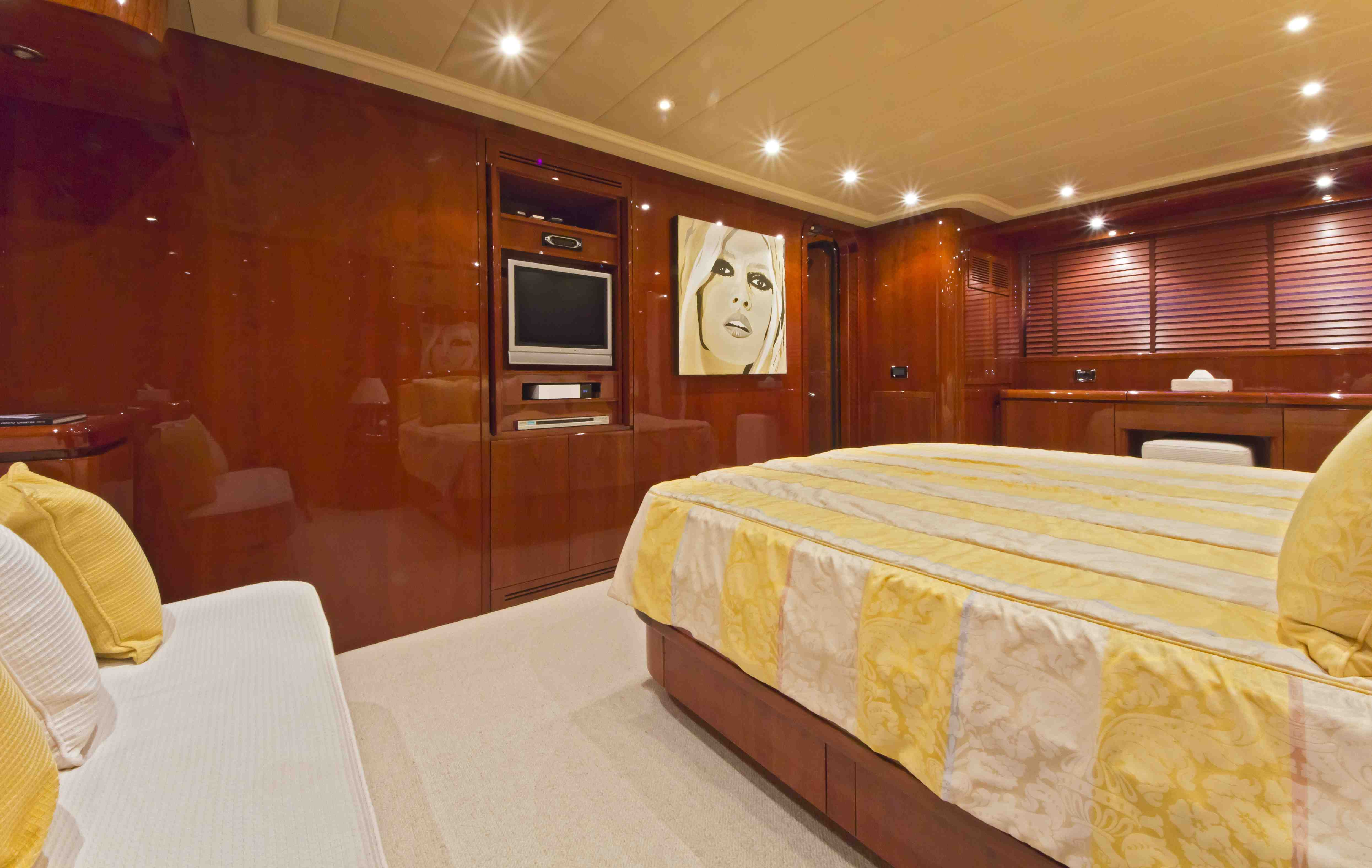 Yacht BOJANGLES -  Master Cabin 2